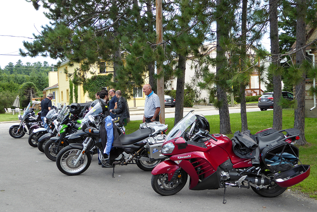 Group_ride_4web